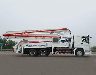 37m、39m truck-mounted concrete pump